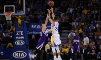 Watch: AMAZING Three-Point Showdown Between Stephen Curry and Omri Casspi