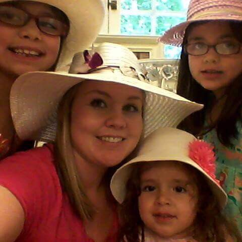 Victim Jessica Valenzuela with her children in a file photo. (GoFundMe)