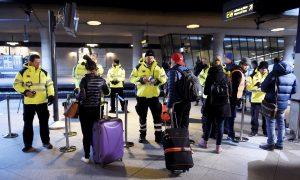 Sweden, Denmark Introduce Border Checks to Stem Migrant Flow