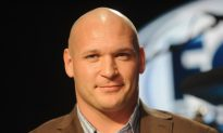 Bald No More: Former Bears Linebacker Brian Urlacher Shows Off New Hair