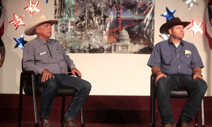 Cliven and Ammon Bundy. (Gage Skidmore via Wikimedia Commons, CC BY-SA)