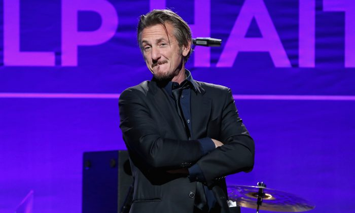 Sean Penn speaks onstage during a charity benefit on January 9, 2016 in Beverly Hills, California. (Jonathan Leibson/Getty Images)
