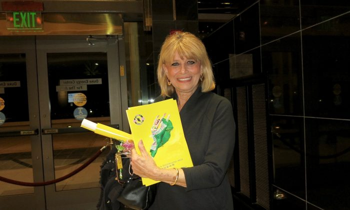 Shen Yun Offers Message of Hope, Nurse Says