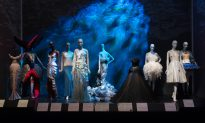 Fashion and Fairy Tales—a Match Made in Parallel Worlds