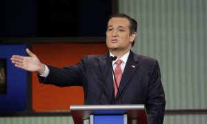 Texas Lawyer Files Federal 'Birther' Suit Against Ted Cruz