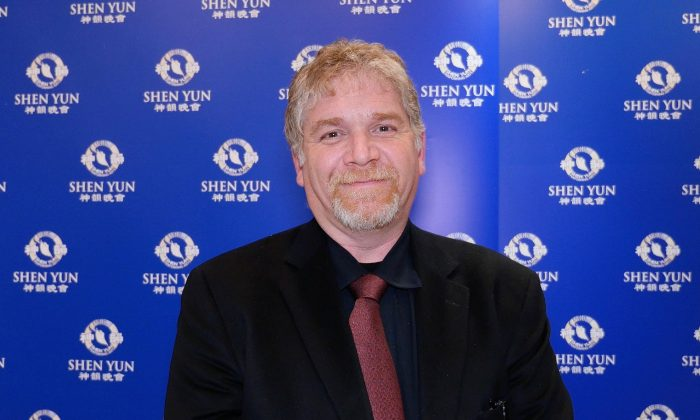 Event Producer Says Shen Yun Uplifts, Improves Morality