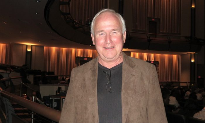All American Children Should See Shen Yun, Says Retired CEO