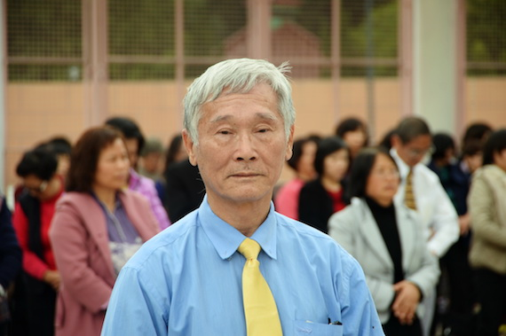 Mr. Ling, an usher at the 2016 Falun Dafa Cultivation Sharing Conference in Hong Kong on Jan. 17, 2016. (Sung Cheong-lung/Epoch Times)