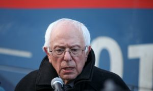 Clinton Ally Says Sanders Slights Minorities in New Ad
