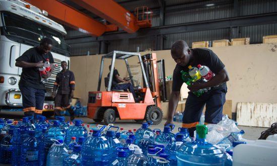 Volunteers Send Water as S. African Temperatures Soar