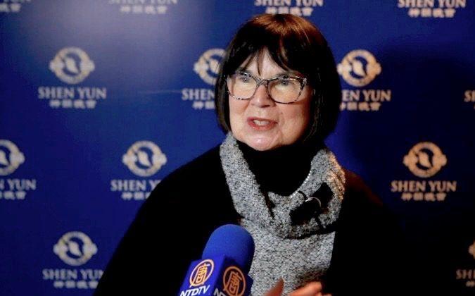 Shen Yun's Fashions Dazzle Clothier