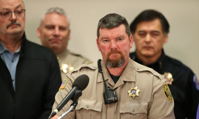 Harney County Sheriff Dave Ward at a press conference at the Harney County Community Center in Burns, Ore., on Jan. 27, 2016. (Beth Nakamura/The Oregonian via AP)