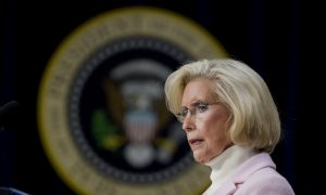Lilly Ledbetter, Women's Equal Pay Activist, Endorses Hillary Clinton for President