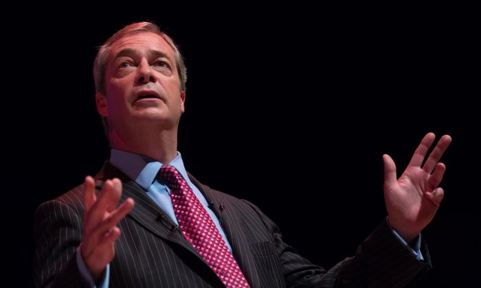 "UKIP leader Nigel Farage addresses supporters at a ""Say No to Europe"" meeting at the Anvil in Basingstoke, England, on Nov. 16, 2015. (Matt Cardy/Getty Images)"