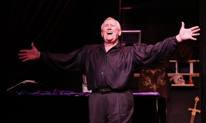 "Len Cariou's one-man presentation ""Broadway and the Bard."" (Carol Rosegg)"