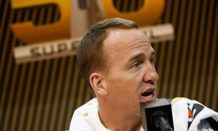 Peyton Manning and the Denver Broncos were unscathed after a bus accident following practice leading up to Super Bowl 50. (Ezra Shaw/Getty Images)