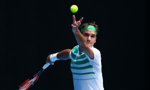 Roger Federer Out for 4 Weeks After Undergoing Knee Surgery