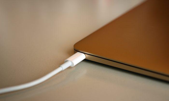 Apple MacBook's new USB-C port. (Maurizio Pesce/(CC BY 2.0)