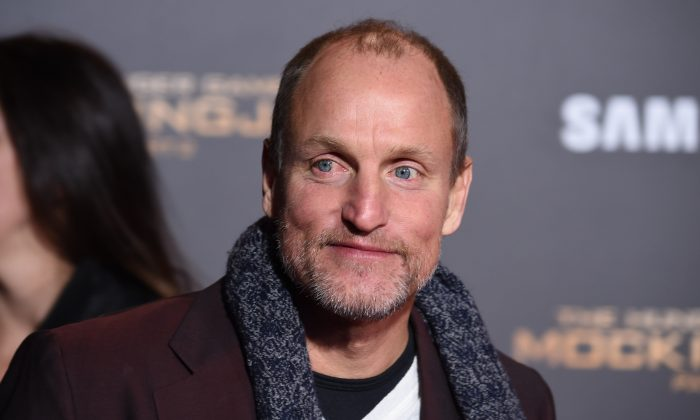 "Actor Woody Harrelson attends the premiere of ""The Hunger Games: Mockingjay - Part 2"" at the Microsoft Theater in Los Angeles, California, November 16, 2015.  (ROBYN BECK/AFP/Getty Images)"