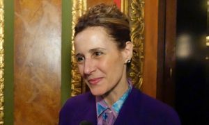 Mayor of Woonsocket, RI, Describes Shen Yun as 'Absolutely Gorgeous'