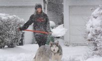 New England Mops up as Snow Falls on East Coast