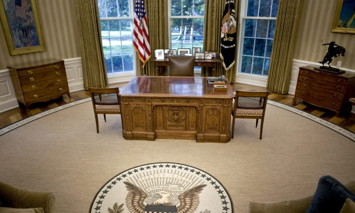The desk of U.S. President Barack Obama sits in the newly redecorated Oval Office of the White House August 31, 2010 in Washington, D.C. (Brendan Smialowski-Pool/Getty Images)
