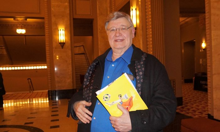 Theater Professor: Shen Yun Exciting Perfection