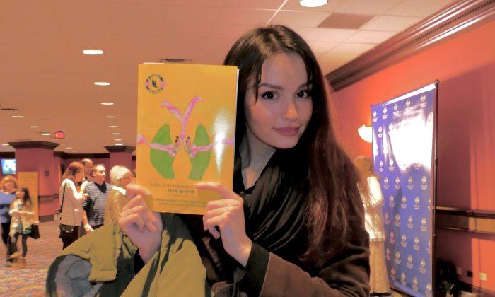 Shen Yun Shows Model the Spiritual Side of China's Arts