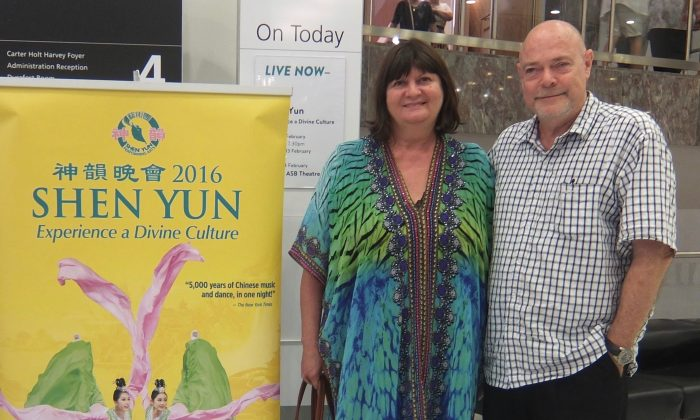 Shen Yun 'Stunning', Says Gift Shop Owner