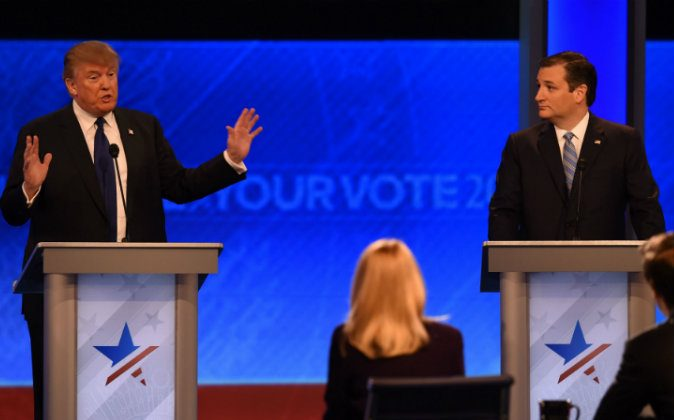 Republican presidential candidates Donald Trump (L) and Ted Cruz (R) participate in the Republican Presidential Candidates Debate on Feb. 6, 2016 at St. Anselm's College Institute of Politics in Manchester, New Hampshire. (JEWEL SAMAD/AFP/Getty Images)