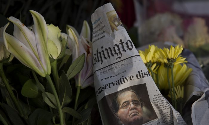 A makeshift memorial for Supreme Court Justice Antonin Scalia is seen at the U.S. Supreme Court in Washington, D.C., on Feb. 14. (Drew Angerer/Getty Images)