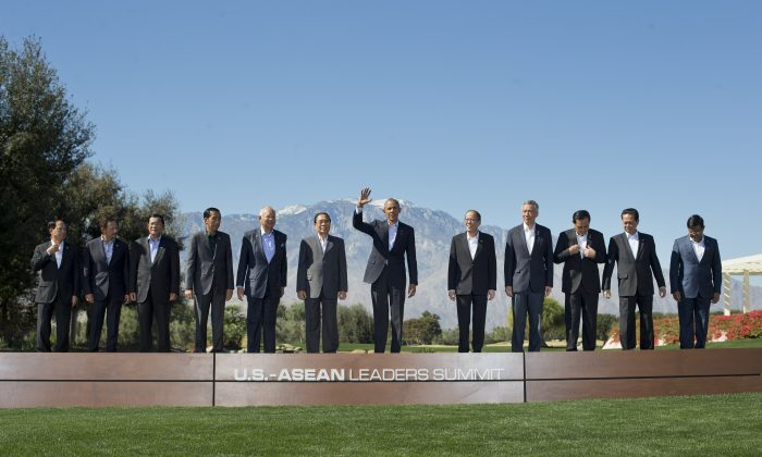 President Barack Obama (C) with leaders of the 10-nation Association of Southeast Asian Nations (ASEAN) at the Annenberg Retreat at Sunnylands in Rancho Mirage, Calif., on Feb. 16, 2016. (AP Photo/Pablo Martinez Monsivais)