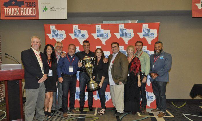 TAWA board members present Truck of Texas Award to Nissan execs Steve Parrett, Fred Diaz, Wendy Orthman for 2016 Titan XD. (Courtesy of TAWA)