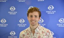 Ballet Dancers Immersed in Shen Yun Performance