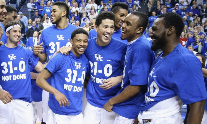 The 2014-15 Kentucky Wildcats went 31–0 in the regular season but fell two wins shy of a national title. (Andy Lyons/Getty Images)