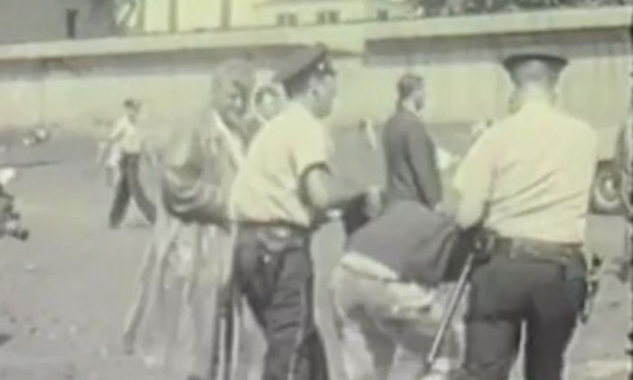 Bernie Sanders getting arrested as a Civil Rights rally in 1963 ( Kartemquin Films/Vimeo)