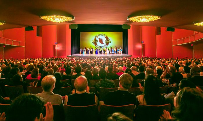 Shen Yun Shows 'We come from heaven, we go back to heaven'