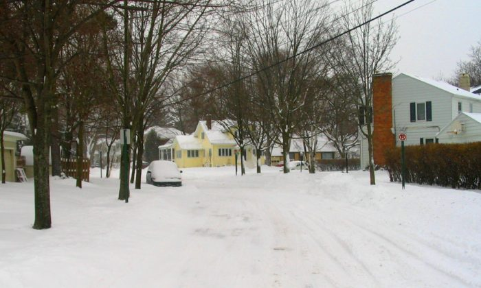 A neighborhood in Grand Rapids, Michigan, close to Kentwood, on a winter day (Attercop311/Wikicommons)