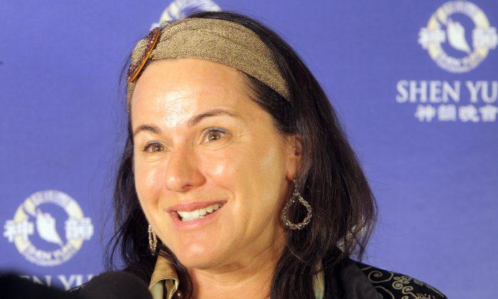 Shen Yun 'An Important Story 'Says Soprano Tania de Jong