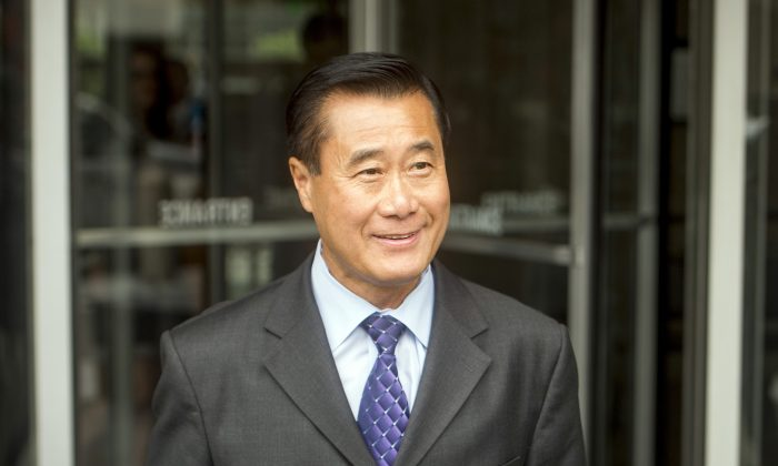 California state Sen. Leland Yee (D-San Francisco) leaves federal court in San Francisco on July 31, 2014. (AP Photo/Noah Berger)