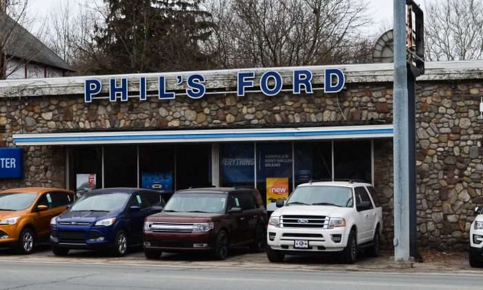 Phil's Ford in Port Jervis on Feb. 21, 2016. (Yvonne Marcotte/Epoch Times)