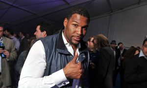 Michael Strahan's Fingers Paid the Price For Playing 15 Seasons in the NFL
