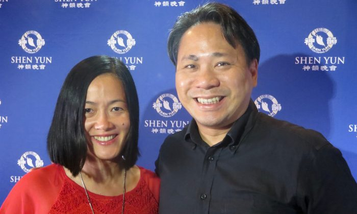 Malaysian Couple Holiday in Australia Just to See Shen Yun