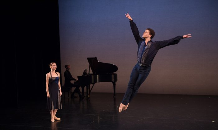 Michael Scales on piano with NYTB dancers Amanda Treibe and Steven Melendez. (Rachel Neville)