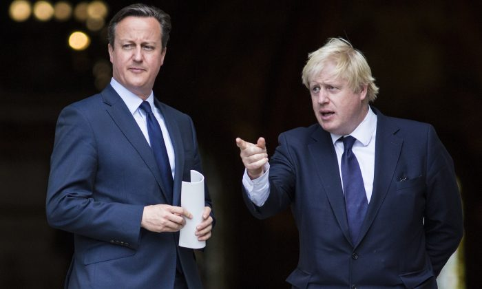 British Prime Minister David Cameron (L) and London Mayor Boris Johnson leave St. Paul's Cathedral in central London on July 7, 2015. (Jack Taylor/AFP/Getty Images)