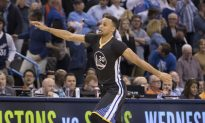 Watch: Fan Re-Creates Stephen Curry's Game-Winning Shot Against the Thunder on Video Game NBA 2K16