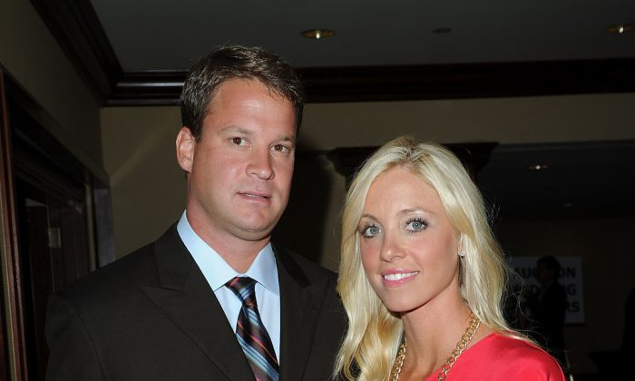Lane Kiffin (L) and Layla Kiffin arrive at the 25th Anniversary Of Cedars-Sinai Sports Spectacular held at the Hyatt Regency Century Plaza Hotel on May 23, 2010 in Los Angeles, California. (Jason Merritt/Getty Images for Cedars-Sinai)