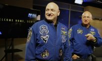 Astronaut Scott Kelly Survives Year in Space