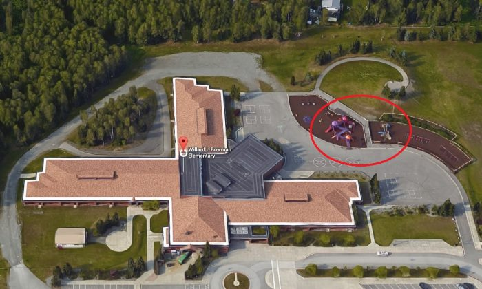 Bowman Elementary School in Anchorage, Alaska with the playground marked. (Screenshot of Google Maps/Mark by Epoch Times)