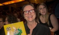 Artist Sees Beauty of Another World in Shen Yun